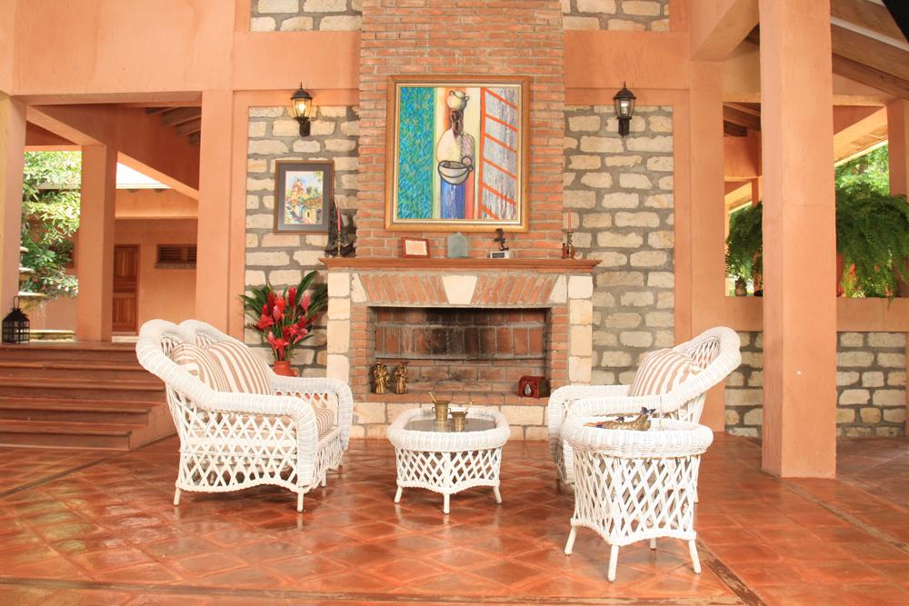 Feel at home at the Best Guest House in La Ceiba! La Villa de Soledad